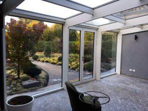 veranda esterna vista su giardino