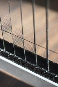 Fama serramenti dettaglio di zanzariera scorrevole per porta